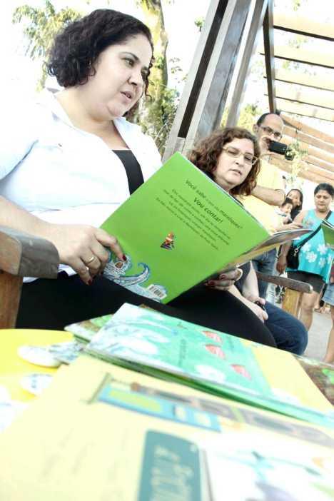 """Lançamento do livro """"O decifrador de poemas"""" e o Projeto """"Leitura ao pé-do-ouvido"""""""